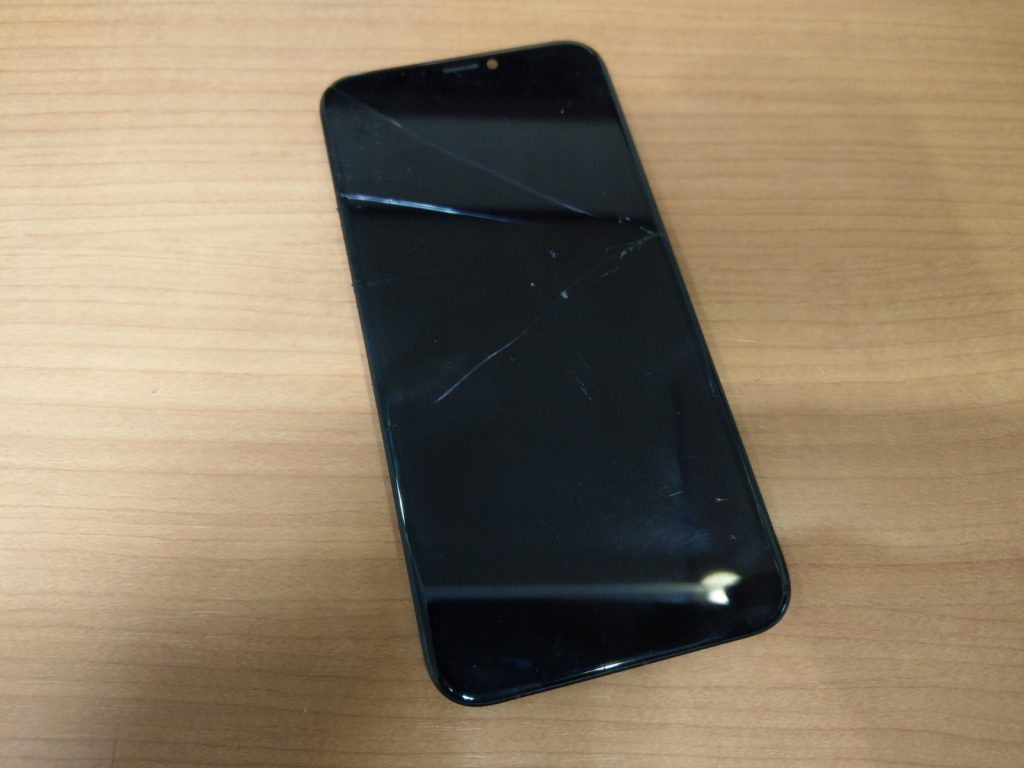 iPhoneX 画面割れ 新百合ヶ丘